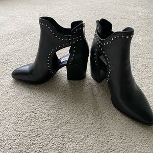 Steve Madden ankle boots with heel